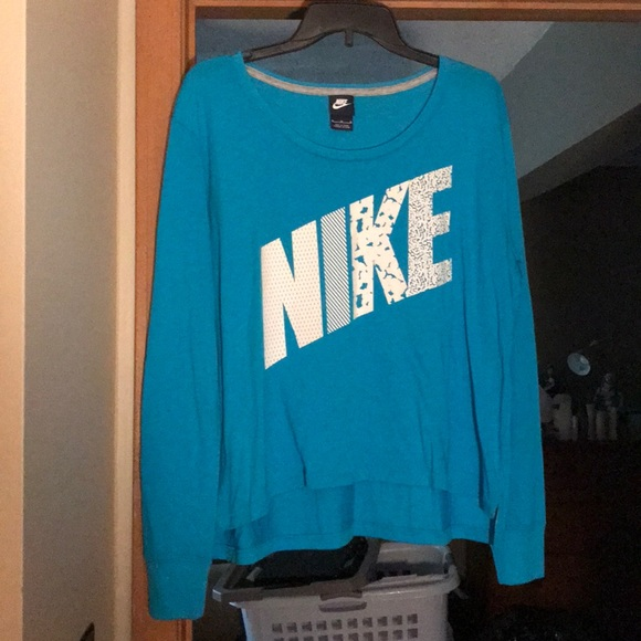 19daa167 ... baggy cropped long sleeve. Nike. M_5ceeec0116105d0171d54381.  M_5ceeec09138e18888ec3560d. M_5ceeec0116105d0171d54381;  M_5ceeec09138e18888ec3560d